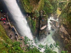 Baños de Agua Santa de Ecuador, el paraíso donde nunca te aburrirás