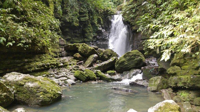 Cascada de latas, Misahuallí, Tena, Ecuador