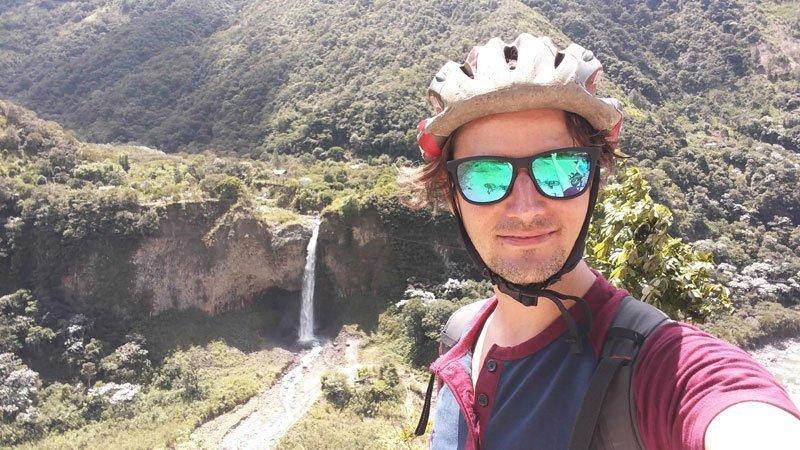 La ruta de las cascadas en bicicleta en Baños de Ambato, Ecuador
