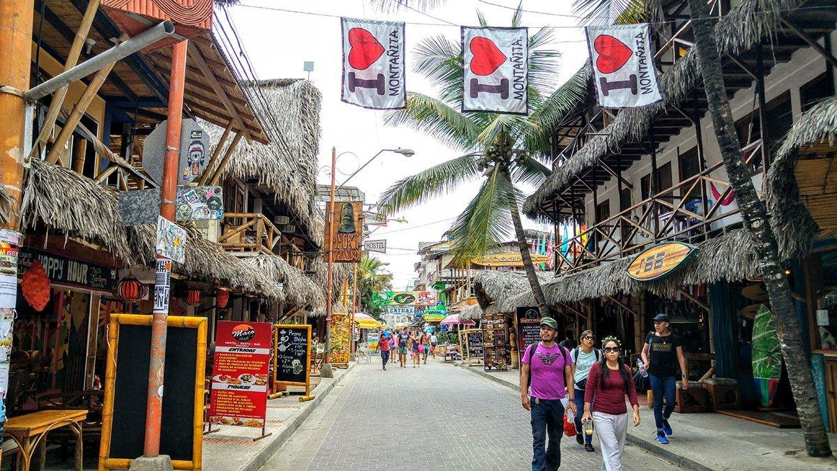 Montañita-Ecuador-surf-playa-fiesta-bares.-Qué-hacer-y-ver-alojamientos-y-hoteles