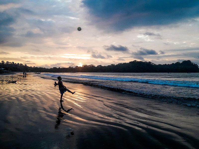Playa de Mompiche Esmeraldas