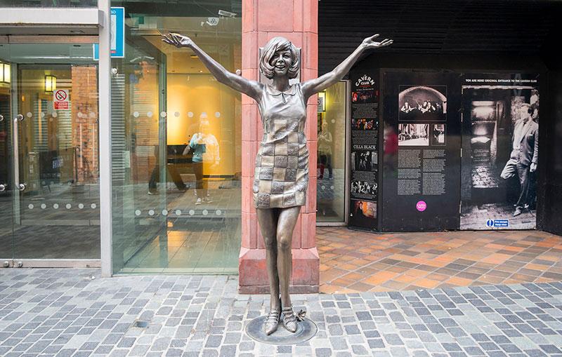 Estatua de Cilla Black en Mathew Street