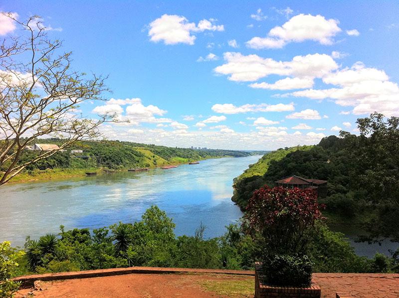 Hito 3 fronteras Puerto Iguazú
