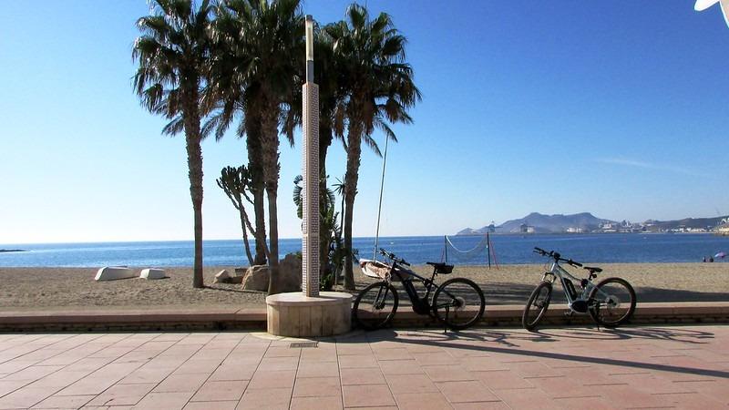 Pasear en bicicleta por Almería